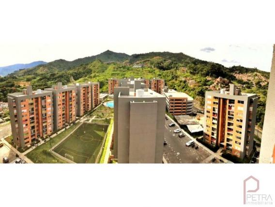 Apartamento de 3 dormitorios en Itagui