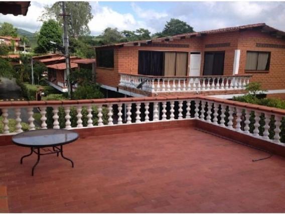 Casa Campestre de 4 Alcobas en Santiagueda