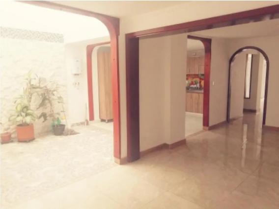 Casa de 6 habitaciones en Palmira