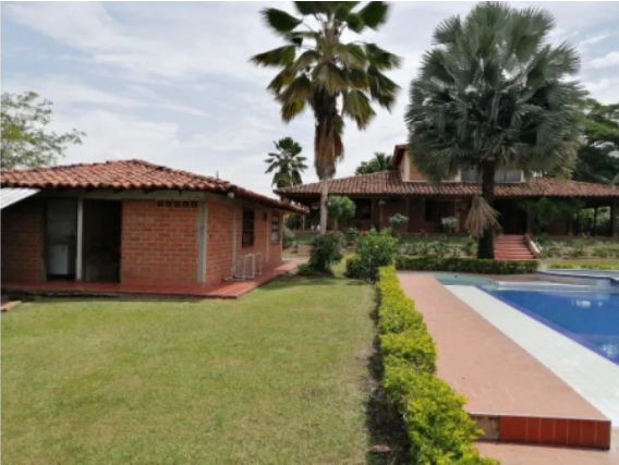 Casa de 8 alcobas en Santa Elena