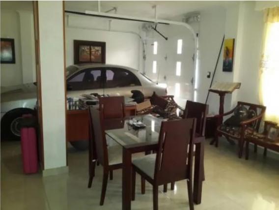 Casa de 8 habitaciones en Altamira