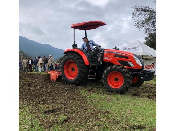 Tractor Kioti Px 9020 - 89 Hp