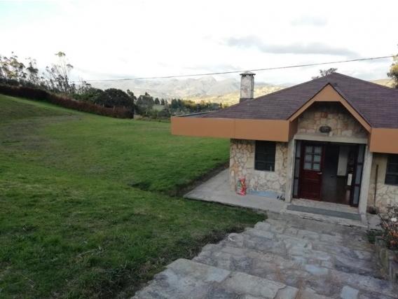 """Lote Con """"hermosa"""" Casa Construida En La Calera"""