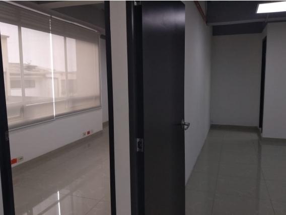 Vendo O Arriendo Oficina -Consultorio En La Castellana